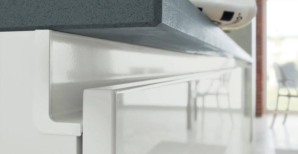 Гола профиль для фасадов без ручек