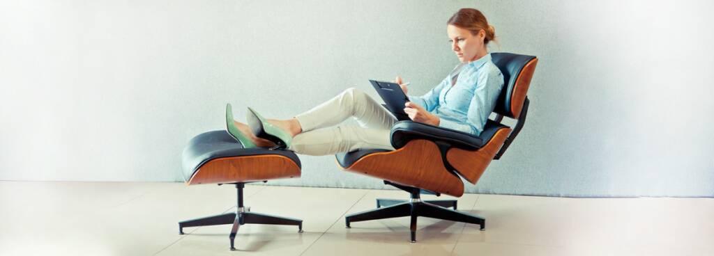 Купить кресла-реклайнеры и интерьерные кресла для отдыха